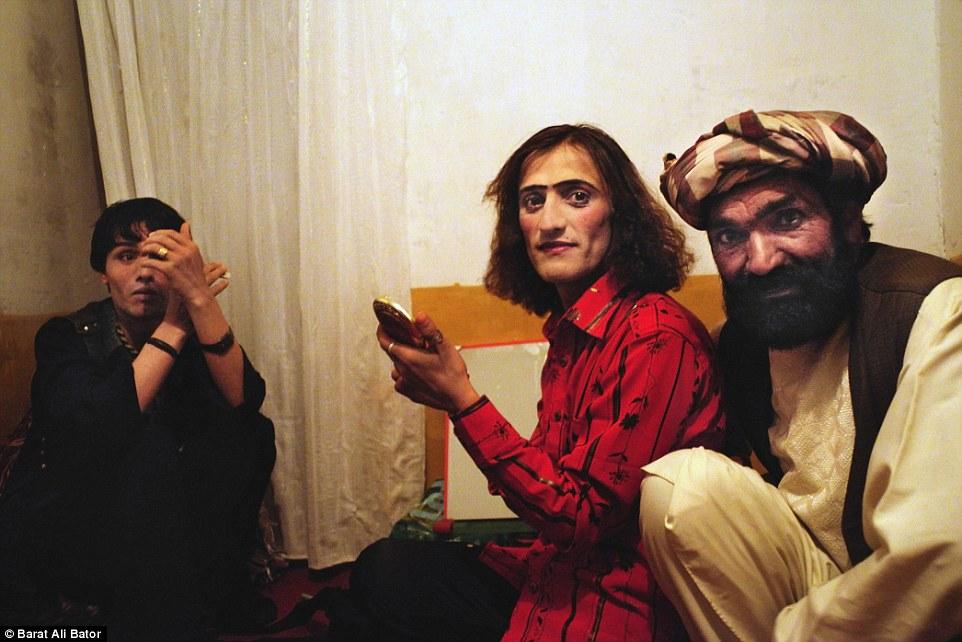 رنگینکمانیهای افغانستان؛ زندگی پرامید در جهنم