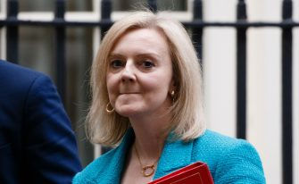 دردسرساز شدن تبریک «ماه افتخار» توسط وزیر زنان و برابری بریتانیا