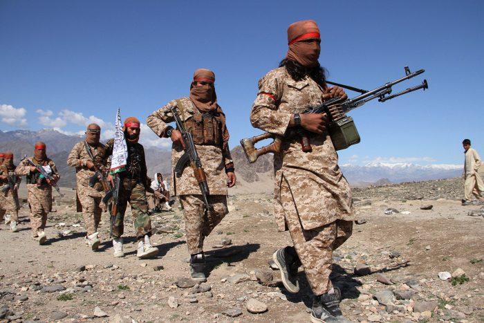 شورشیان طالبان در پایان ماه اسد. ۱۴۰۰ افغانستان را اشغال کردند